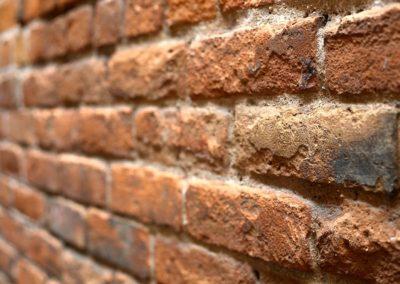 Protection des murs en briques