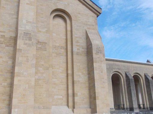 Nettoyage de la façade de l'abbaye d'Orval