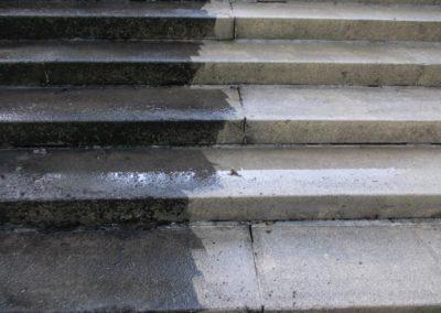 Picco - nettoyage d'un escalier en pierre.