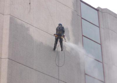 Nettoyage béton a la vapeur - Accès par cordiste - Secteur hôtelier