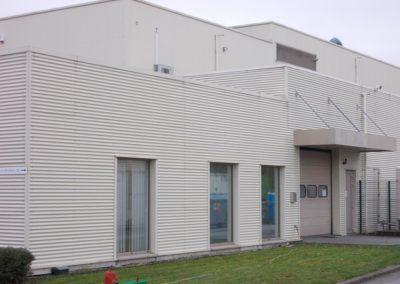 Nettoyage bardage en métal bâtiment industriel